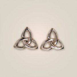 138 Crinan Knot Post Earrings